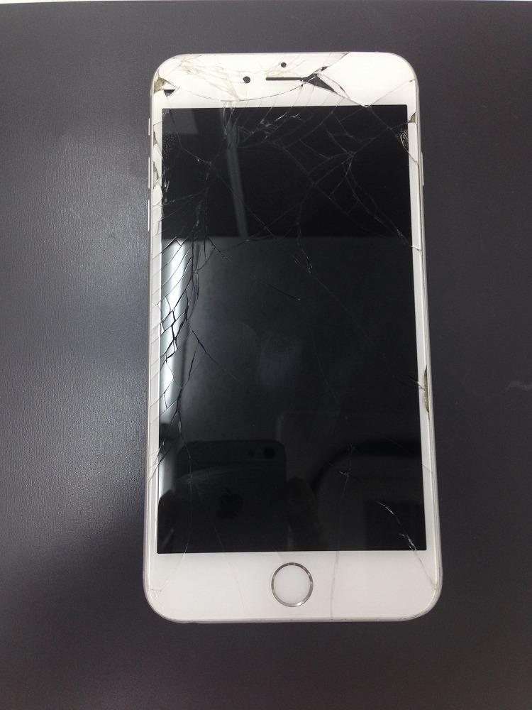 iPhone6Plusのガラス+液晶交換修理 写真1
