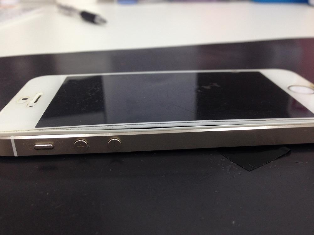 iPhone5s画面浮き