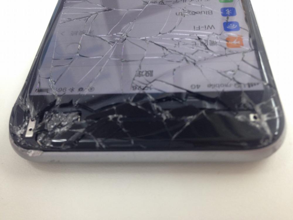 iPhone6画面割れ交換前