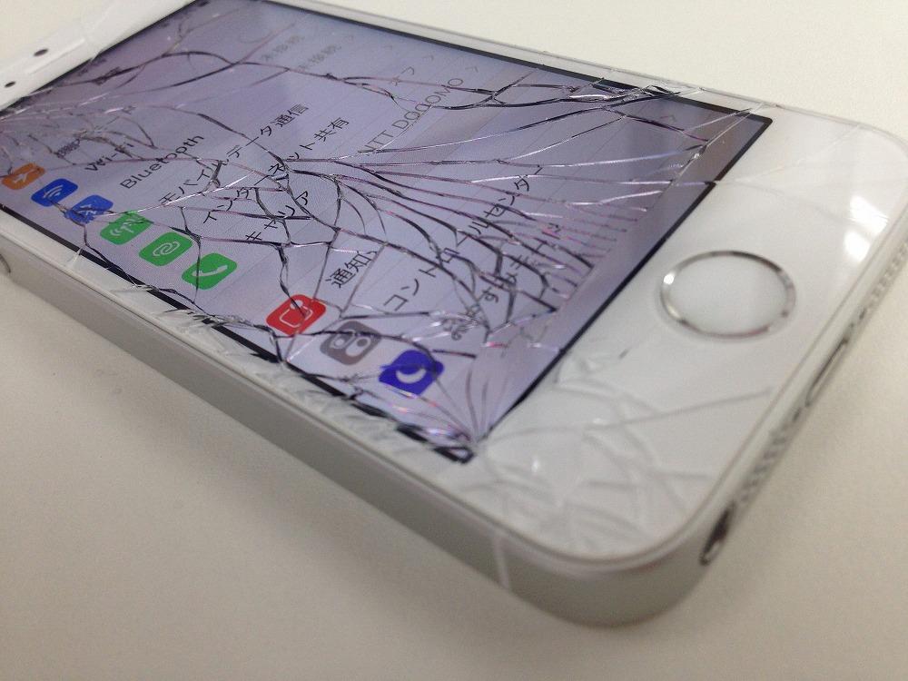iPhoneSEガラス交換前