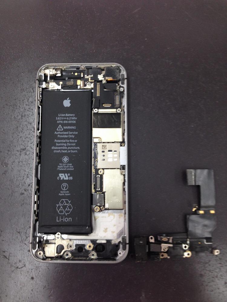 iPhoneSE ドックコネクター 取り外し
