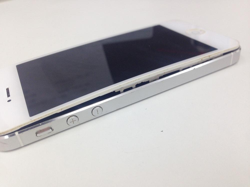 iPhone5画面が浮く