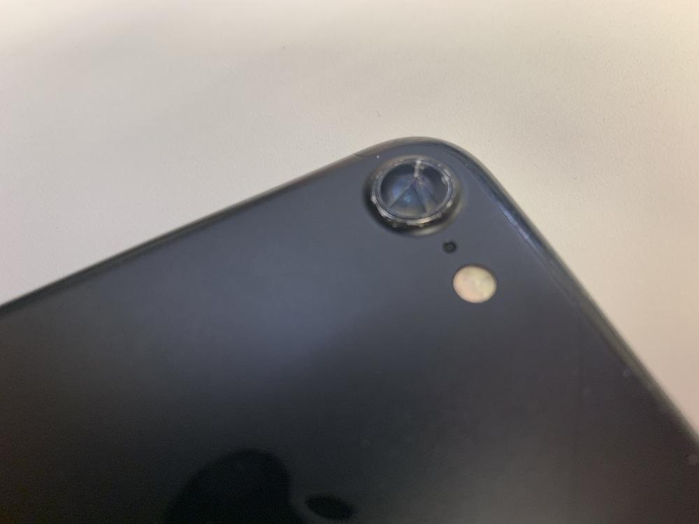 iPhone7アウトカメラレンズ割れ