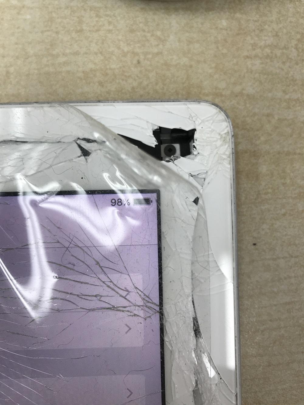 iPad4画面交換 修理前 写真2