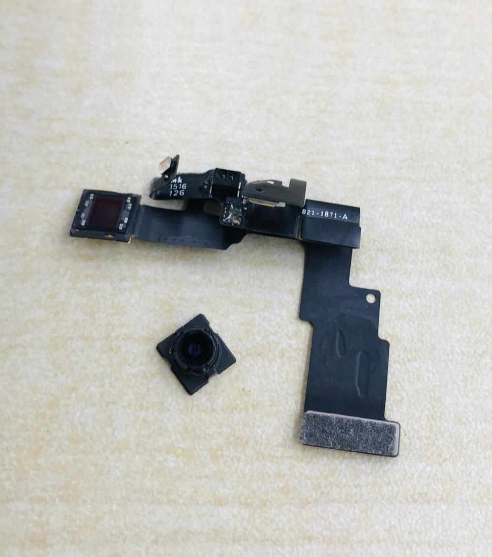 iPhone6 カメラ交換 作業中写真