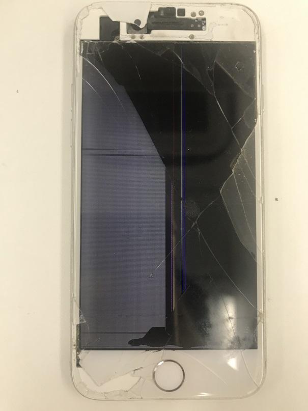 iPhone7ガラス割れ液晶破損修理前