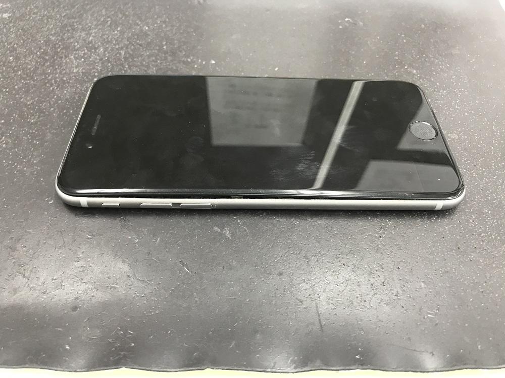 アイフォン バッテリー 膨張 修理前
