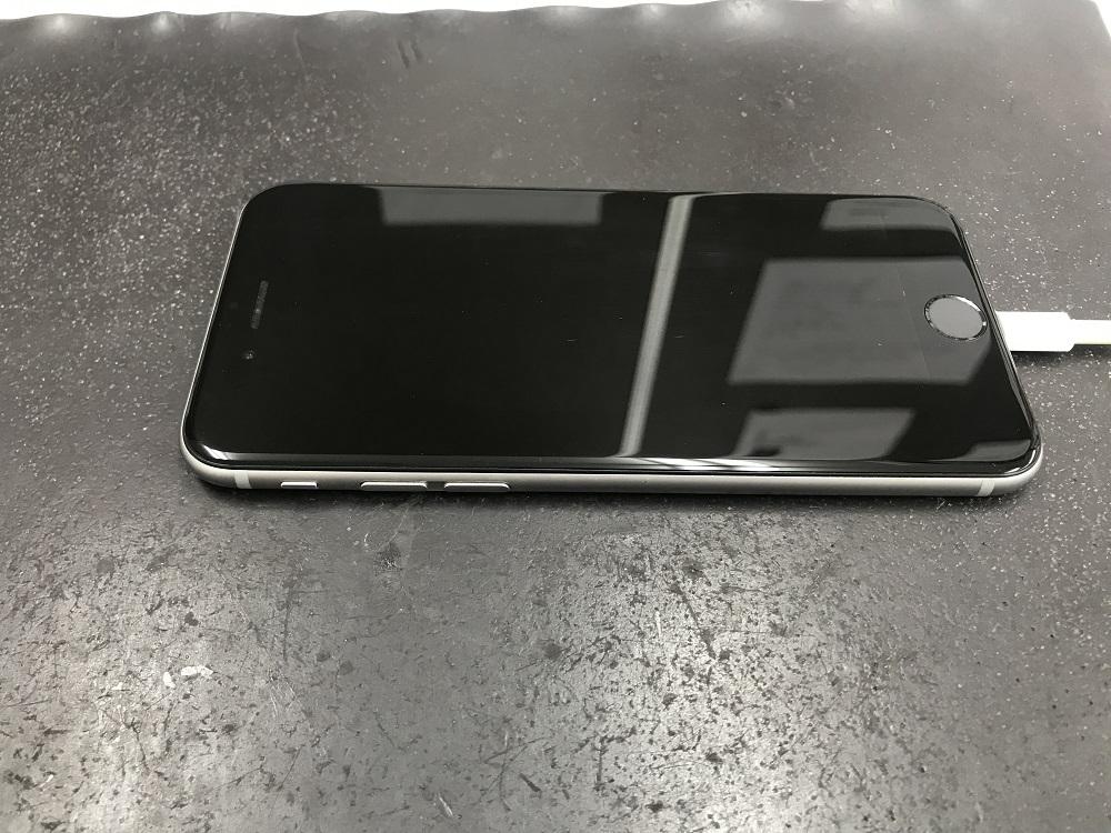 アイフォン バッテリー 膨張 修理後