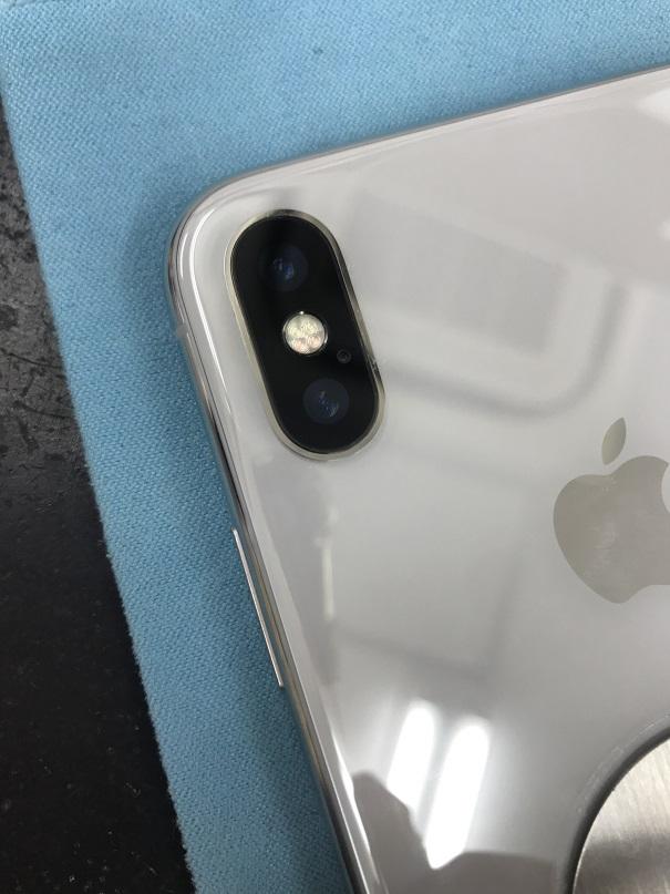 アイフォンXカメラカバーガラス割れ修理後