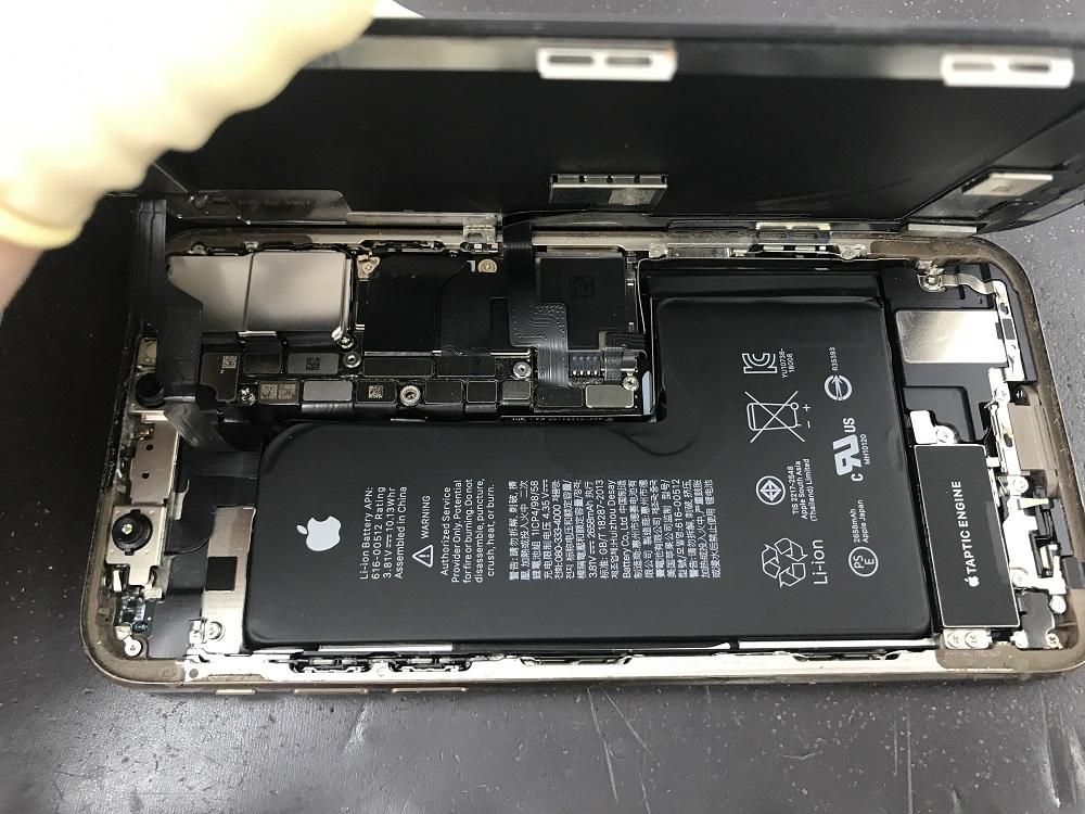 iPhoneXS内部