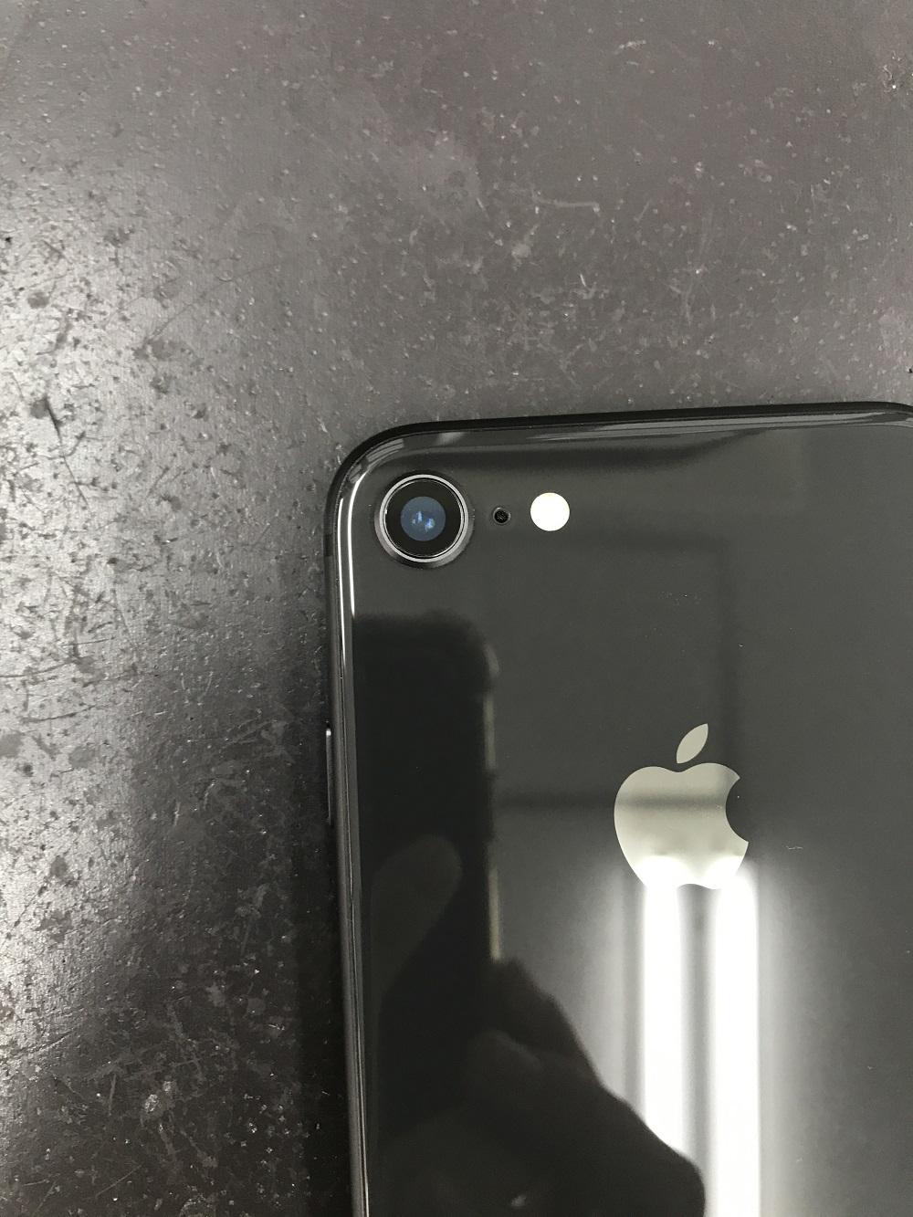 アイフォン8アウトカメラカバーガラス修理 修理後2