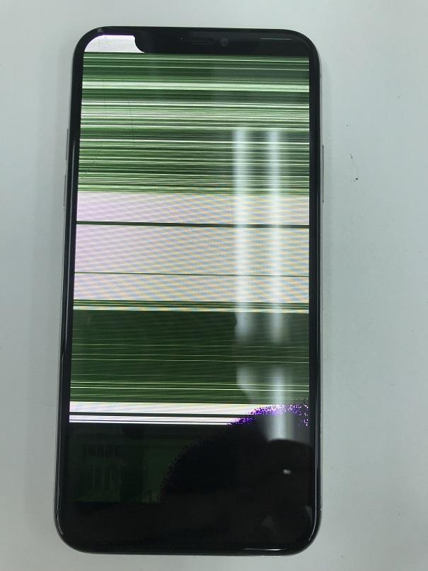 アイフォンX画面表示不良修理前
