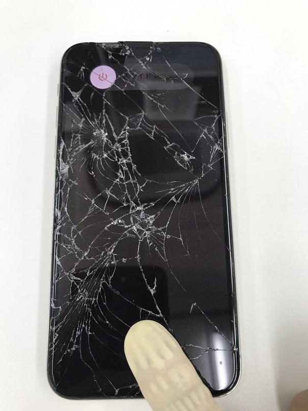 iPhoneX画面交換修理前