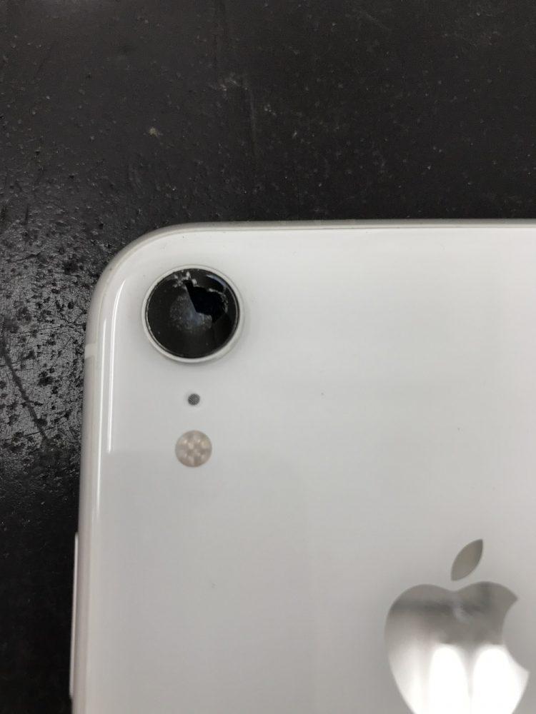 iPhoneXRアウトカメラレンズ交換前