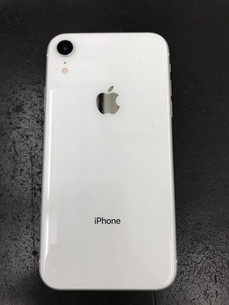 iPhoneXR 外側カメラ表面の割れ 修理後