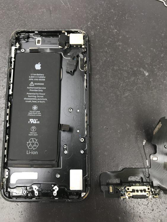 iPhone7ドックコネクター交換2