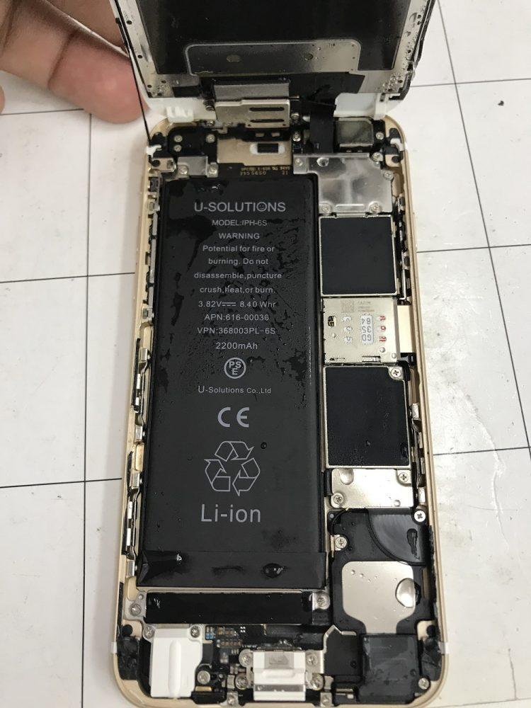 iPhone6s水没 本体