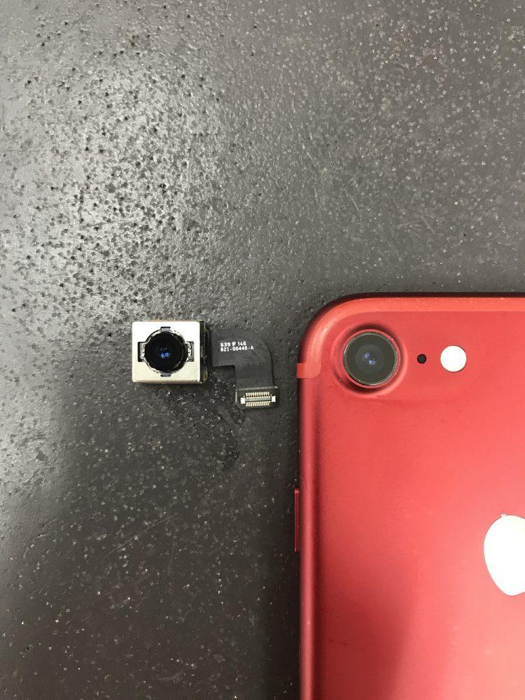 アイフォン7バックカメラ交換 取り外したカメラ