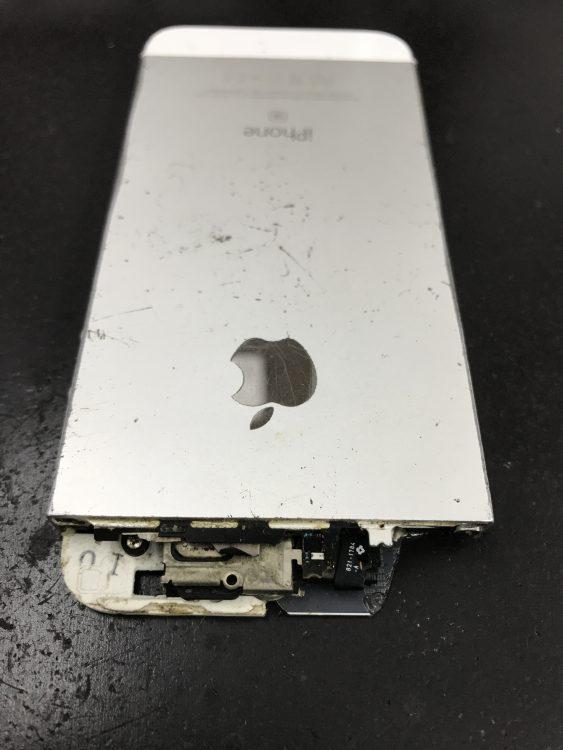 iPhoneSEフレーム上部が無い