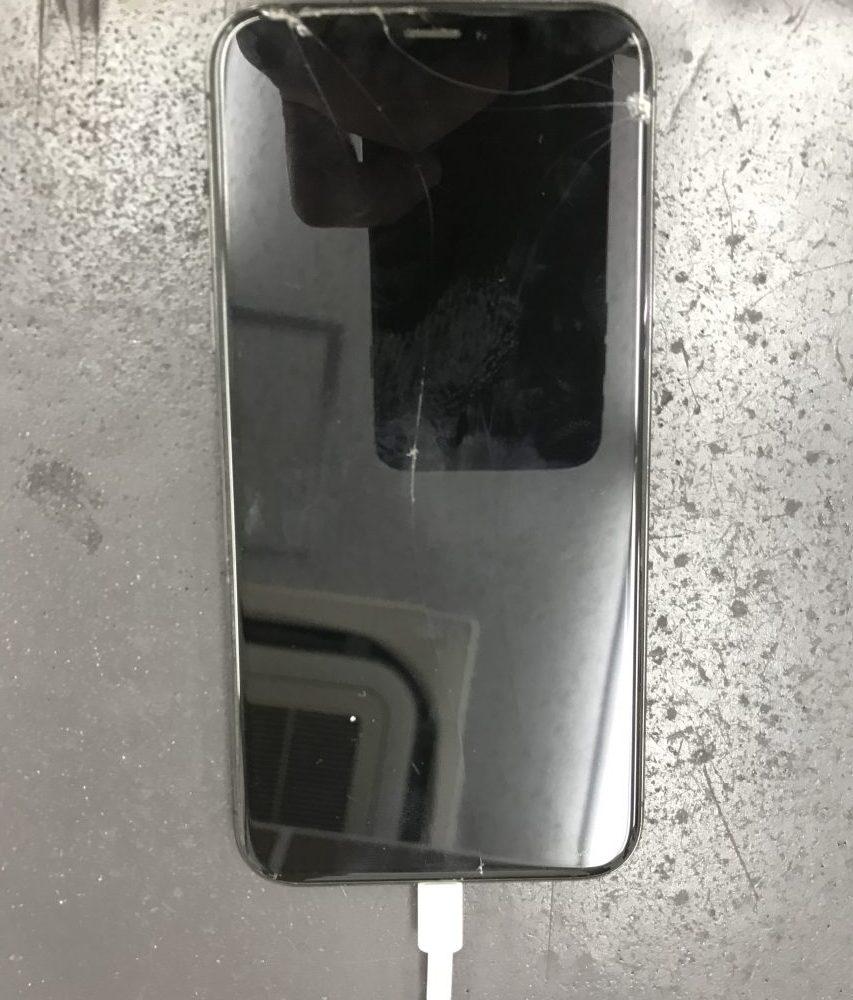 iPhoneXのガラス有機EL交換 交換前