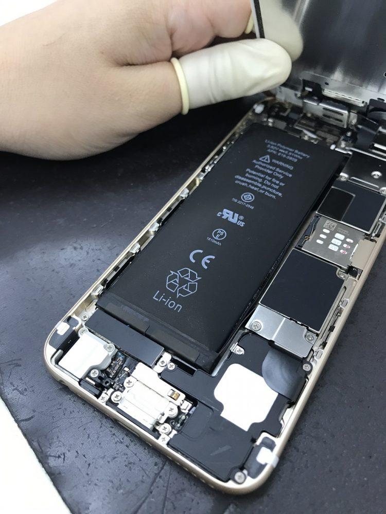 iphone6膨張バッテリー交換 最中1