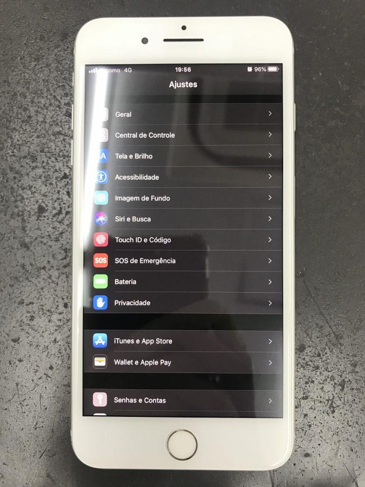 iPhone8Plus画面交換 修理後1