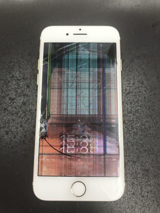 iPhone7フロントパネル交換前