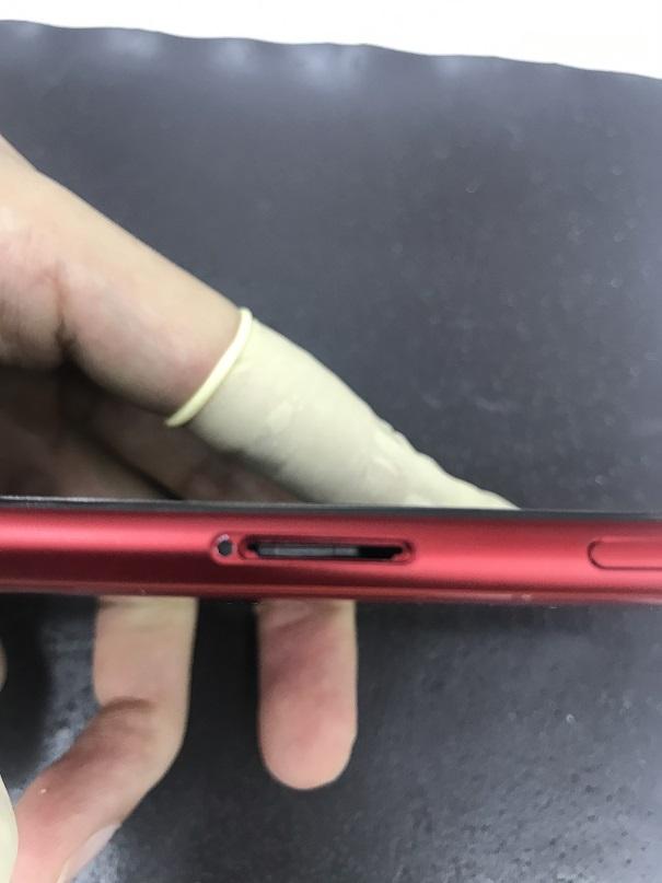 iPhone8SIMカード取り出し修理