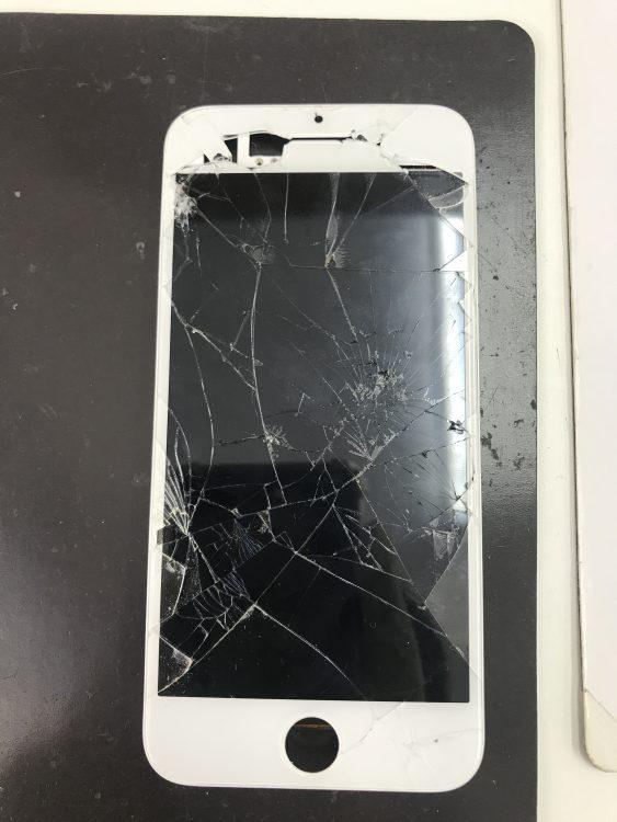アイフォン バキバキ 修理 写真1