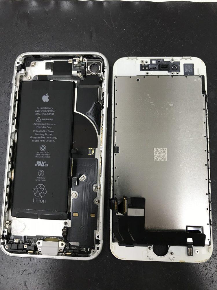 iPhone8水没液晶交換修理
