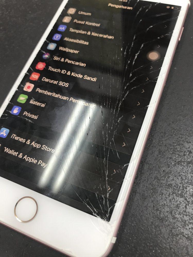iPhone画面交換前