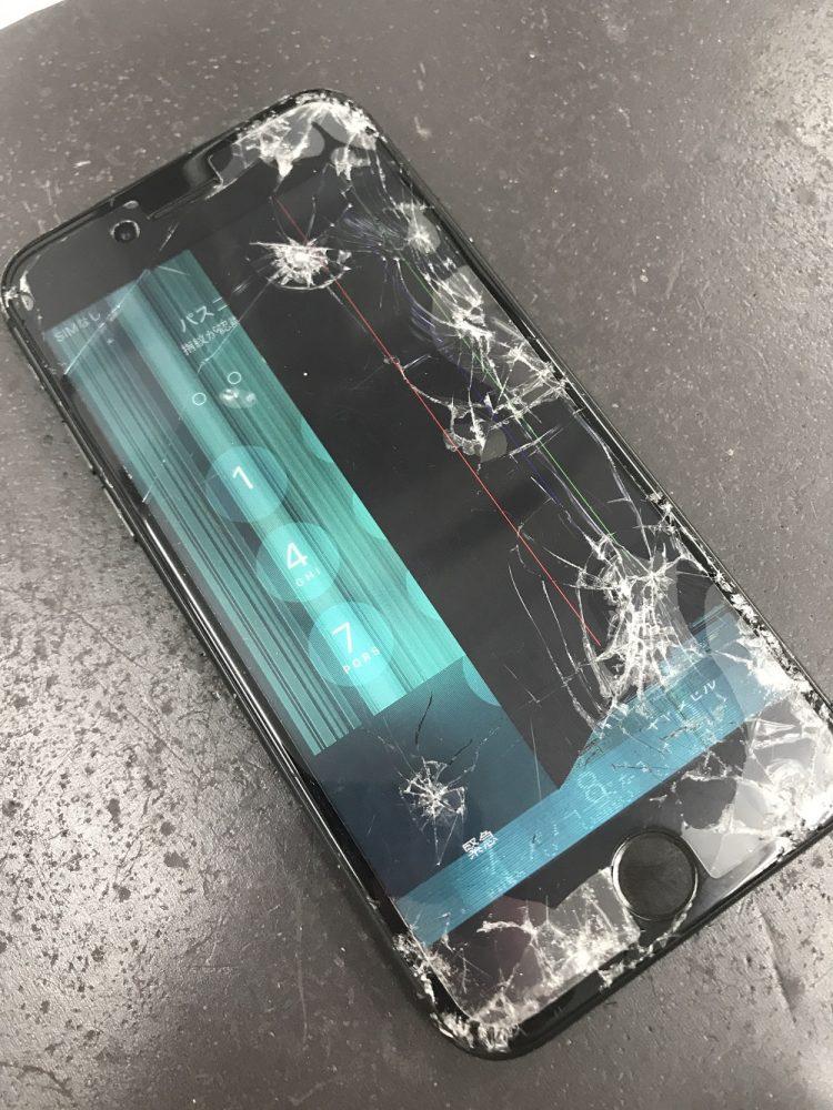 iPhone8画面交換修理前