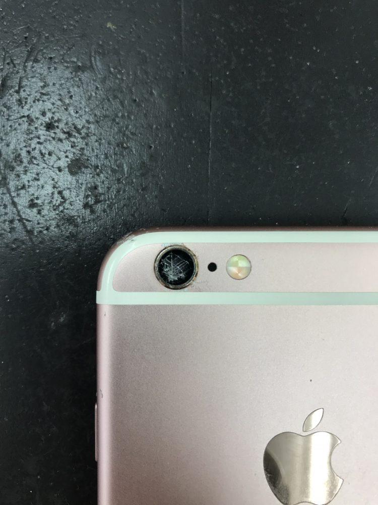 iPhone6s カメラカバーガラス割れ 修理前