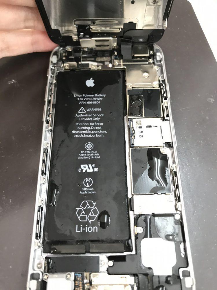 iPhone6 水没復旧前 内部