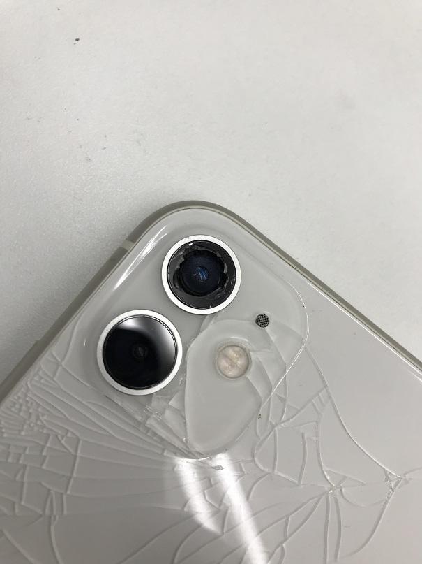 iPhone11リアカメラ修理