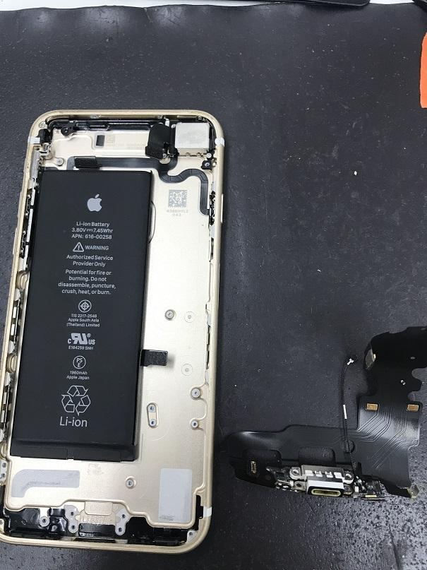 iPhone7ドックコネクタ交換