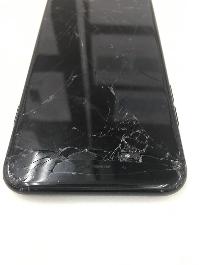 iPhone7 表示不良 画面交換前