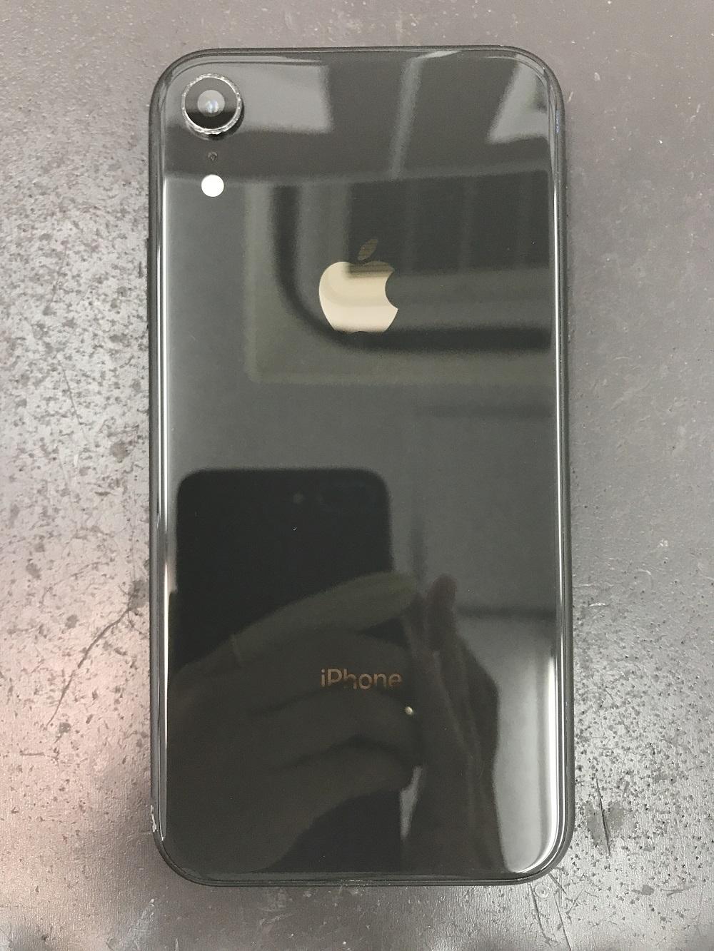 iPhone8 カメラカバーガラス交換後