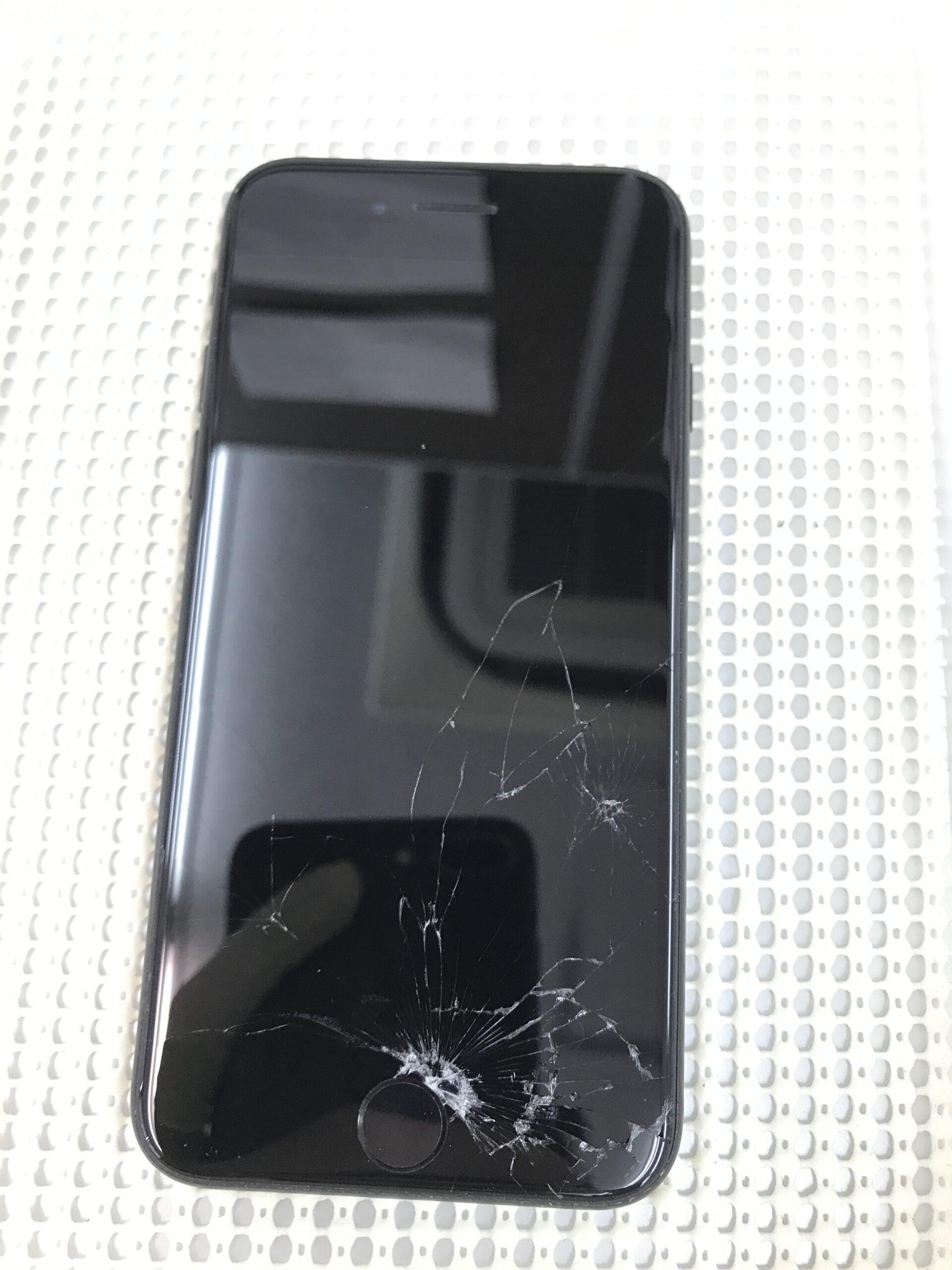 iPhoneSEガラス液晶交換修理